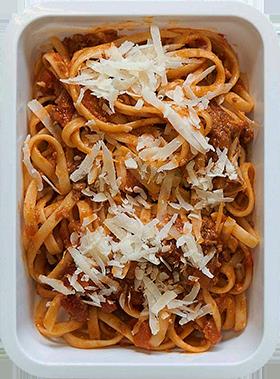 tallarines boloñesa bandeja1